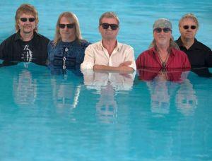 Deep Purple in pool