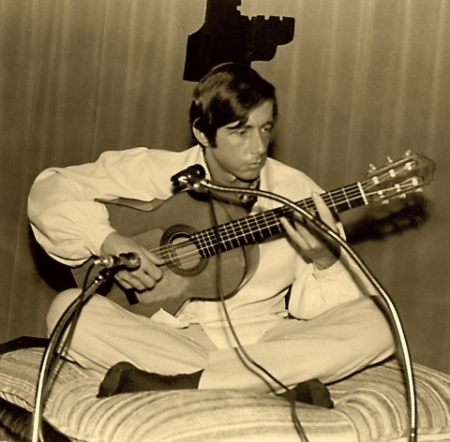 Buddy Bohn playing guitar