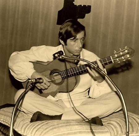 Buddy Bohn playing guitar