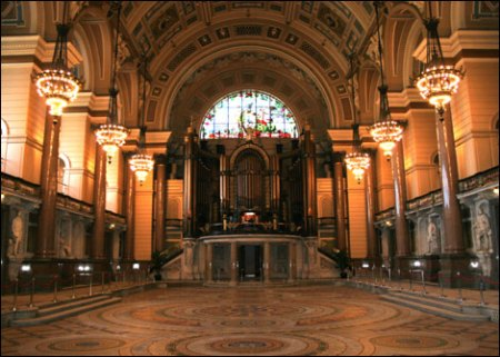 St Georges Hall inside