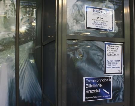 Deep-Purple-door-notice